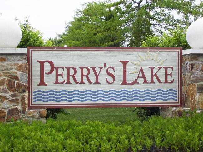 Perry Lake Entrance